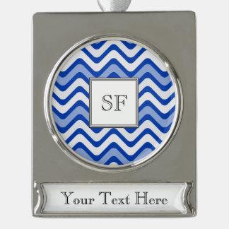 Flippiges gewelltes blaues weißes Banner-Ornament silber