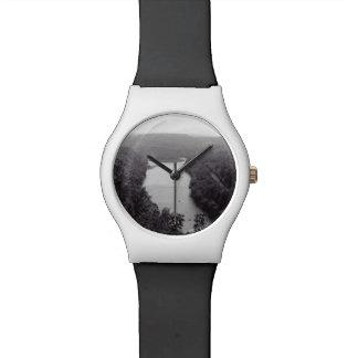Fluss-Kreis Uhr
