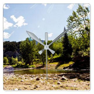 Fluss-und Gebirgswand-Dekor-Uhr im Freien Quadratische Wanduhr