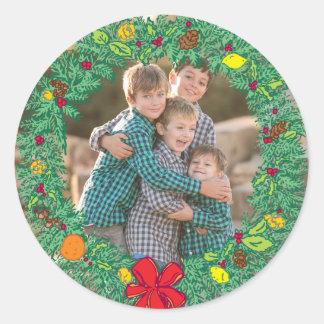 Foto-Feiertags-Aufkleber: Weihnachtswreath-Foto Runder Aufkleber