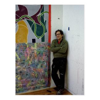 Frank Stella neben einem von seinem arbeitet Postkarte