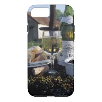 Frankreich, Burgunder, Chablis. Lokaler Wein und iPhone 8/7 Hülle