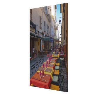 Frankreich, Korsika. Tabellen des Cafés gegründet  Galerie Faltleinwand