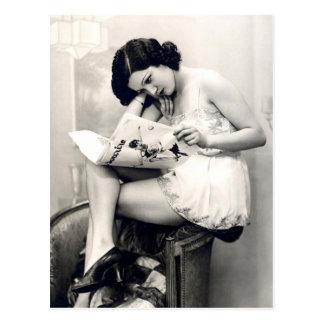 Franzose-Flirt - Vintages Pinup-Mädchen Postkarte