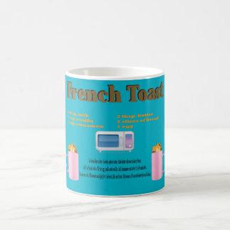Französischer Toast in einem Tassen-Klassiker Verwandlungstasse