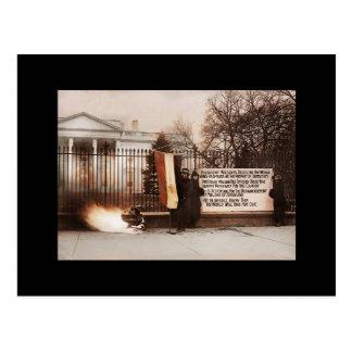 Frauen-Protest am Weißen Haus Postkarte