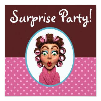 Frauen-tragendes Lockenwickler-Überraschungs-Party Quadratische 13,3 Cm Einladungskarte