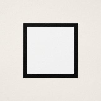 Freier Raum mit mutiger schwarzer Grenze Quadratische Visitenkarte