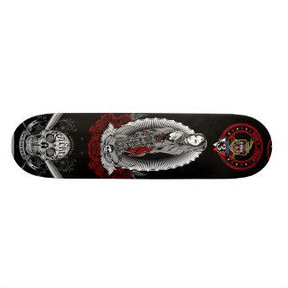 Freiheit auf dem Aufstieg Skate Board