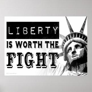 Freiheit ist das Kampf-Protest-Kunst-Plakat wert Poster