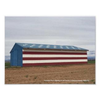 """""""Freiheits-Scheune"""" Madera County, Kalifornien Fotodruck"""