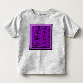 Friedensin hülle und fülle Kleinkind-T - Shirt