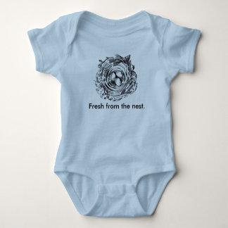 Frisch vom Nest onsie Baby Strampler