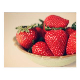 Frische ErdbeerVintage Fotografie Postkarte