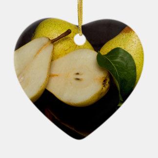 Frische grüne Birnen-Frucht Keramik Herz-Ornament