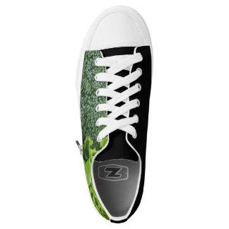 Frische Nahrungsmittelkopfsalat und -brokkoli Niedrig-geschnittene Sneaker