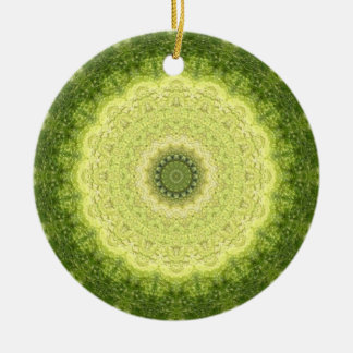 "Frisches ""immergrünes"" grünes Mandala-Kaleidoskop Keramik Ornament"