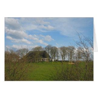 Frisianbauernhof mit grüner Wiese und Bäume Karte