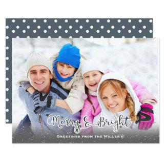 Fröhlich und hell! Feiertags-Karte mit Schnee Karte