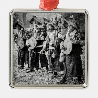 Fröhliches Band der Musiker in alter Vintager Quadratisches Silberfarbenes Ornament