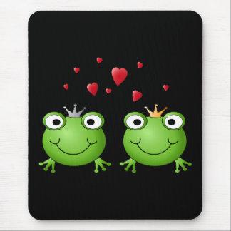 Frosch-Paare mit Herzen Mauspads