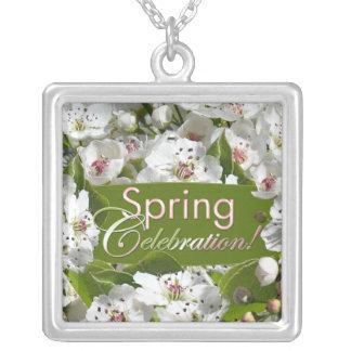 Frühlings-Feier-Weiß-Blüten-Halskette Halskette Mit Quadratischem Anhänger