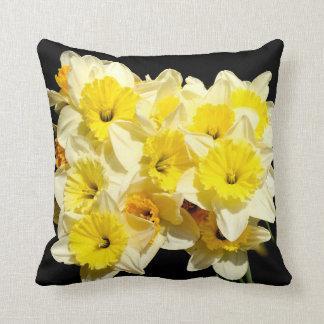 Frühlings-gelbes Narzissen-Wurfs-Kissen Kissen