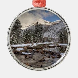 Frühlingsschnee, Sierra Nevada, CA Rundes Silberfarbenes Ornament