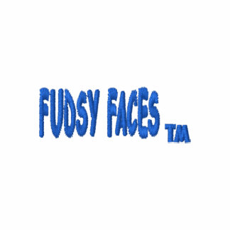 """Fudsy stellt"", gesticktes Polo-Shirt gegenüber Poloshirt"