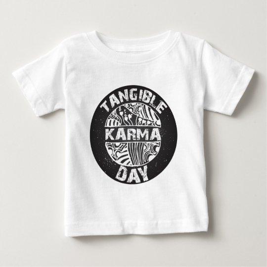 Fühlbarer Karma-Tag 2 Baby T-shirt