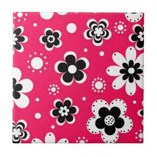 Funky Blumen im heißen Rosa Kleine Quadratische Fliese