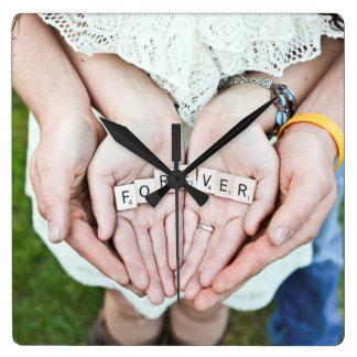 Für immer Together| Paar-HandFoto Quadratische Wanduhr