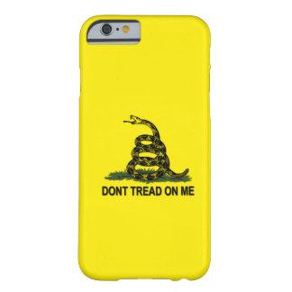 Gadsden-Flagge treten nicht auf mir Barely There iPhone 6 Hülle