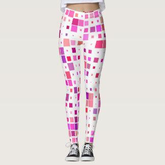 Gamaschen schmückten mit Quadraten von rosa und Leggings