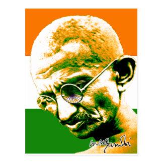 Gandhi in orange Grünem und im Weiß mit Flagge Postkarte