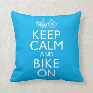 Gardez le calme et faites du vélo dessus coussin