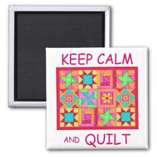 Gardez le calme et l'édredon de patchwork multi de magnets pour réfrigérateur