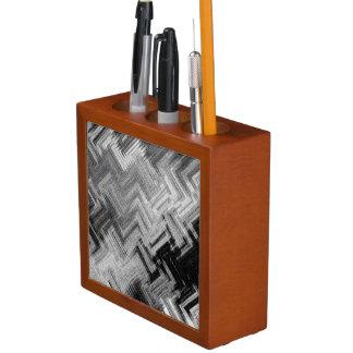 Gebürsteter Stahlschreibtisch-Organisator durch Stifthalter