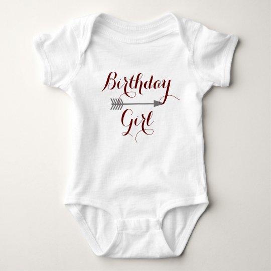 Geburtstags-Mädchen - Boho grauer Pfeil - fertigen Baby Strampler