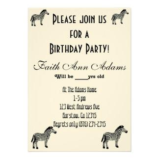 Geburtstags-Party Aziza Safarizebra-Druck Personalisierte Einladungskarte