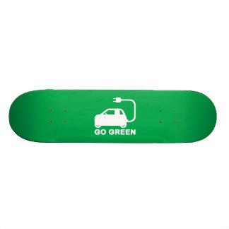 Gehen ~ Antriebs-elektrische Autos grüner Skateboarddeck