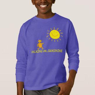 Gehen auf Sonnenschein T-Shirt