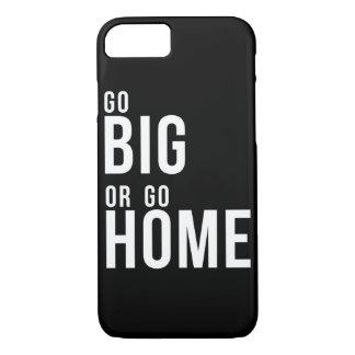 Gehen Sie groß oder gehen Sie das Schwarzweiss iPhone 7 Hülle