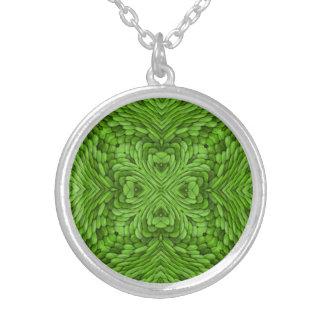 Gehende grüne Vintage Kaleidoskop-Halsketten Versilberte Kette