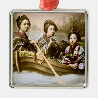 Geisha drei in einem Reihen-Boots-Vintagen Silbernes Ornament