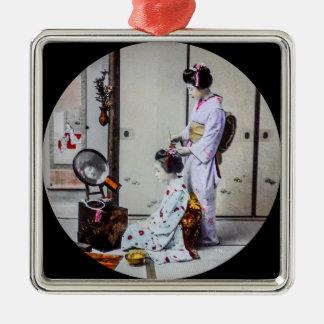 Geisha-Haar, das Vintages japanisches 芸者 kleidet Quadratisches Silberfarbenes Ornament