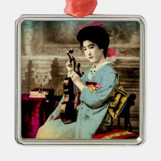 Geisha mit einem Violinen-Vintagen alten Quadratisches Silberfarbenes Ornament