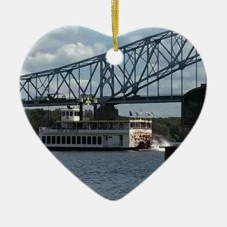 Geist von Dubuque auf Fluss Mississipi Keramik Herz-Ornament