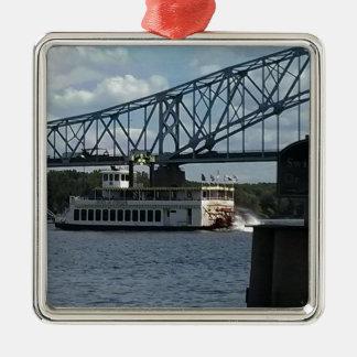 Geist von Dubuque auf Fluss Mississipi Silbernes Ornament