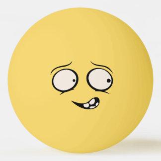 Geistlich geistesgestörter lustiger tischtennis ball